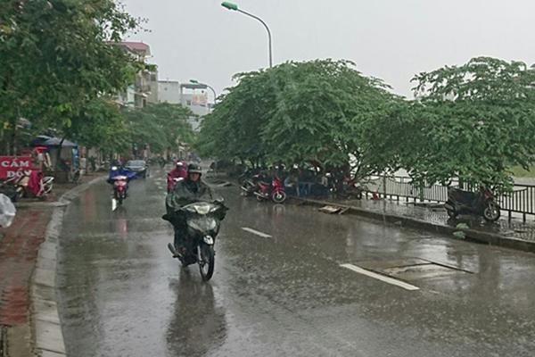 Dự báo thời tiết 27/4: Hà Nội hạ nhiệt, có mưa rào