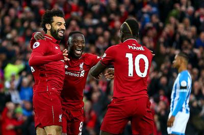 """Thắng """"5 sao"""", Liverpool vượt Man City leo lên đỉnh bảng"""