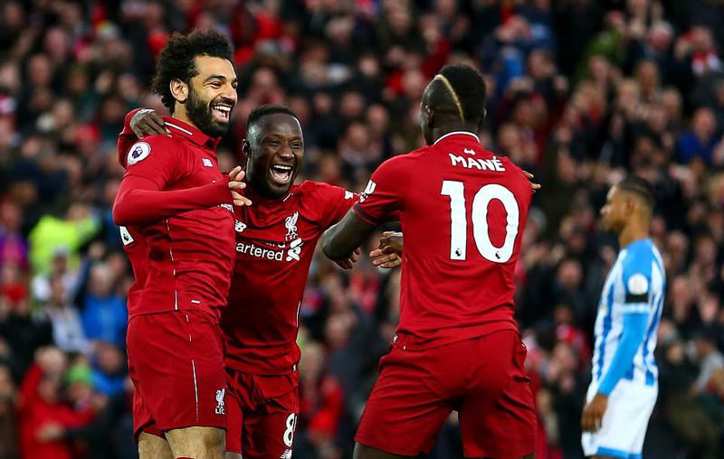 Thắng '5 sao', Liverpool vượt Man City leo lên đỉnh bảng