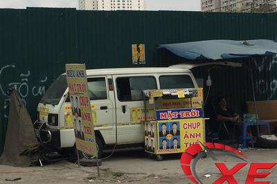 Dân Hà Nội biến ô tô cũ thành studio
