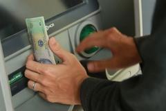Tài khoản bất ngờ có 5 tỷ: Chàng trai Sài Gòn rút 1 tỷ tiêu xài