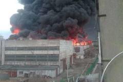 Nhà máy sản xuất tên lửa Nga bốc cháy ngùn ngụt