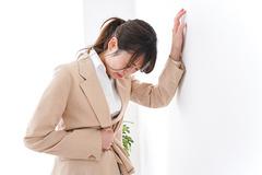Chướng bụng khó tiêu cảnh báo biến chứng viêm đại tràng