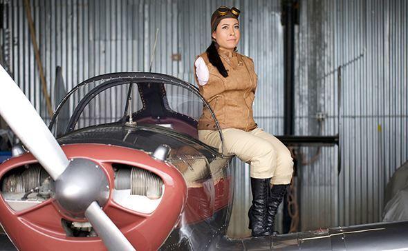 Chuyện về nữ phi công cụt tay đầu tiên trong lịch sử hàng không