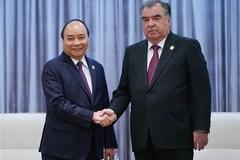 PM meets Tajikistani President in Beijing