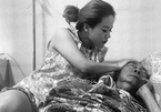 Xúc động trước tình phụ tử của nghệ sĩ Lê Bình và con gái