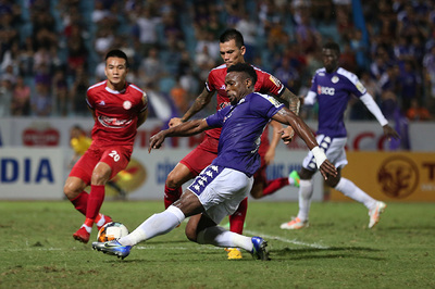Vòng 7 V-League: Hà Nội FC lấy ngôi đầu, HAGL rơi chiến thắng