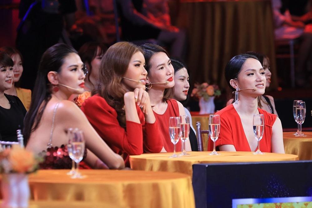 Hương Giang,Anh Thư,Minh Tú,Võ Hoàng Yến,Quý ông đại chiến