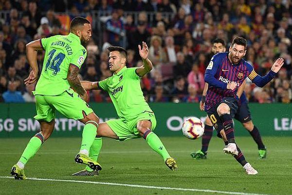 Messi hóa người hùng, Barca vô địch La Liga trước 3 vòng