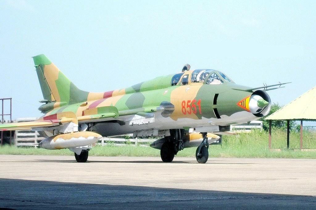 'Đôi cánh ma thuật' Su-22 Việt Nam lâm nạn khi hạ cánh