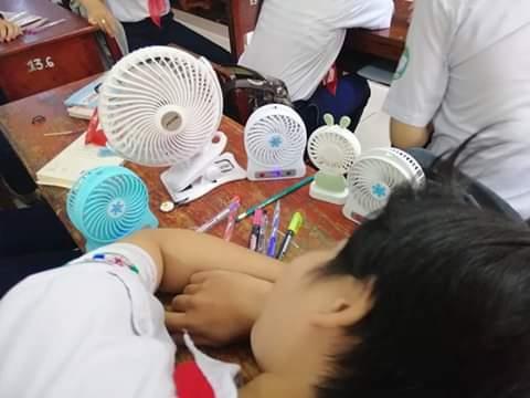 Tuyển tập cách tránh nóng 'bá đạo' của học sinh mùa hè này