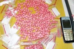 Chặn taxi tại trạm BOT, phát hiện gần 4kg ma túy đá và 4.000 viên hồng phiến