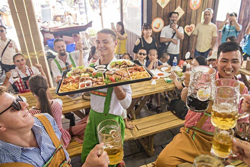 Trải nghiệm lễ hội bia 'chuẩn Oktoberfest' ngay tại Bà Nà Hills