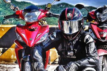 Trước khi đi phượt bằng xe máy cần trang bị những món đồ gì?
