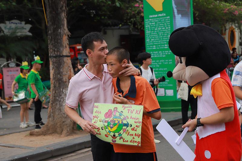 MC Huyền Châu tiếp tục đồng hành với trẻ tự kỉ