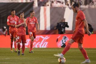 Real Madrid thua sốc đội cuối bảng