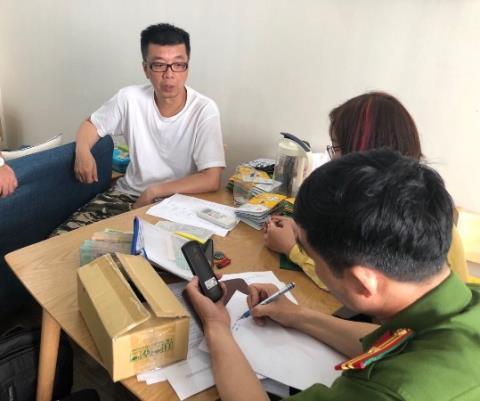 Công nhân giữa Hà Nội: Lương 5 triệu tài khoản chục tỷ, siêu xe Porsche