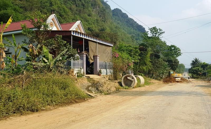 Lu đường quốc lộ ở Thanh Hóa, trăm nhà dân rùng rùng nứt toác