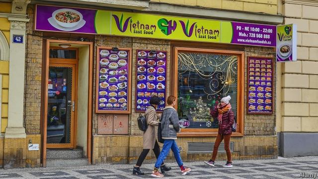 Người Việt làm ăn phát đạt ở Ba Lan và CH Czech
