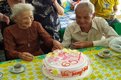 Cụ ông 96 tuổi gặp lại tình đầu sau 65 năm xa cách ở Tiền Giang