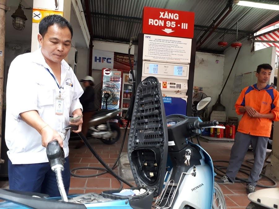 Xăng dầu khó lường: Từ niềm hy vọng lớn đến cái kết nguy cấp