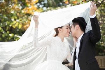 Lê Hà (The Face) tổ chức đám cưới với ông xã đẹp trai sau 1 năm làm mẹ