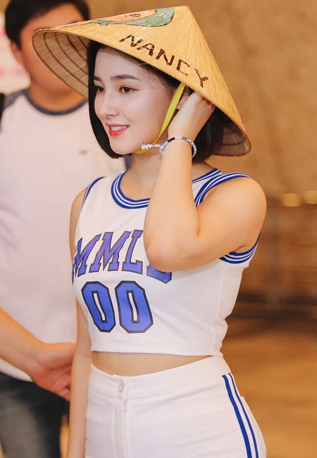 3 nữ thần phồn thực làng nhạc Hàn mặc khêu gợi khiến sân khấu muốn 'nổ tung'