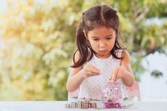 Cách các tỷ phú Mỹ dạy con về tiền bạc