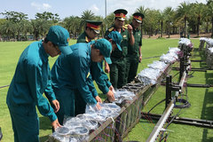 Trận địa pháo hoa ở Sài Gòn chờ khai tiệc mừng lễ 30/4