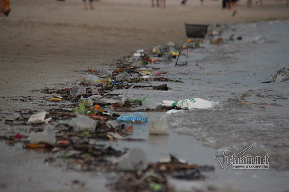 vịnh Hạ Long,Quảng Ninh,ô nhiễm môi trường,nghỉ lễ