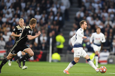 """Eriksen: """"Tottenham đã tự bắn chân mình"""""""