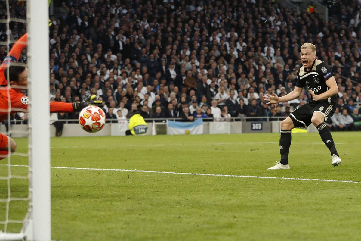 Ajax phấn khích: 'Chúng tôi còn mạnh hơn!'