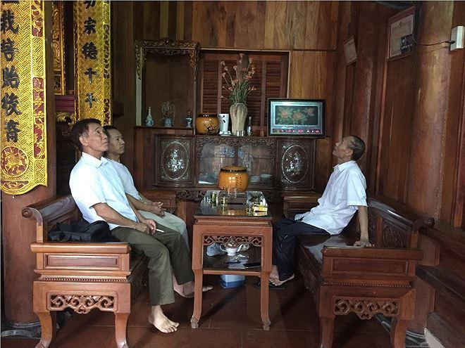 Trầm trồ trước vẻ đẹp của ngôi nhà gỗ mít độc nhất nhì đất Hà Thành