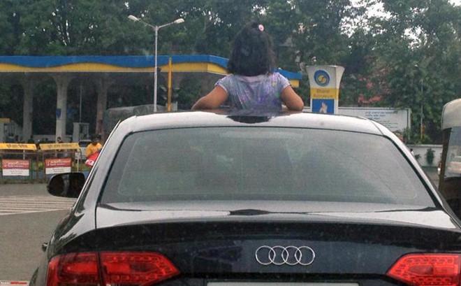 Lái Xe Bất Cẩn,Cha Mẹ Bất Cẩn,cửa sổ trời