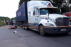 Người phụ nữ bị xe container tông chết thảm trên đường về nhà sau nghỉ lễ