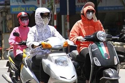 """Nóng 40 độ C, xe máy cũng """"ngã bệnh"""", cần làm gì?"""