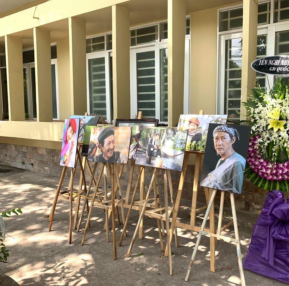 Hình ảnh vai diễn của nghệ sĩ Lê Bình được đặt trong tang lễ