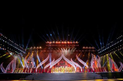 Linh khí của trời đất trên sân khấu Trầm hương Khánh Hòa