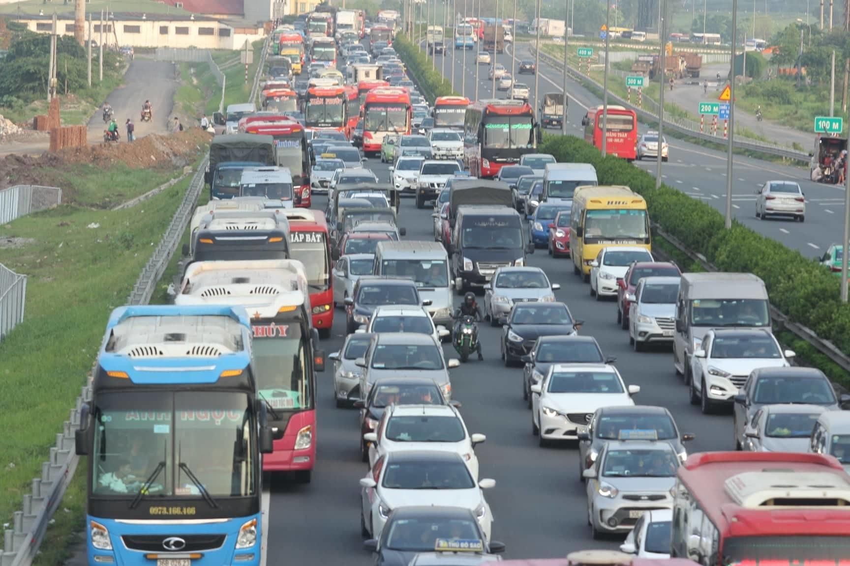 nghỉ lễ,tắc đường,cao tốc Pháp Vân - Cầu Giẽ
