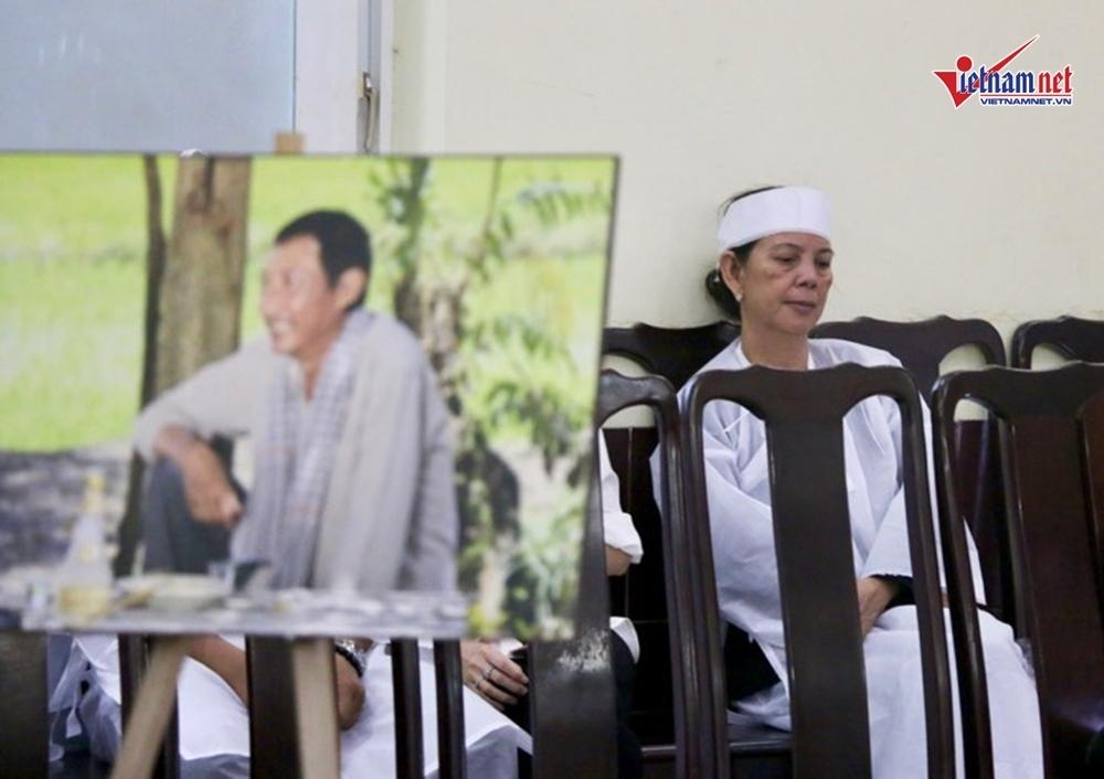 Vợ cũ đau đớn nhớ lại giây phút nghệ sĩ Lê Bình qua đời