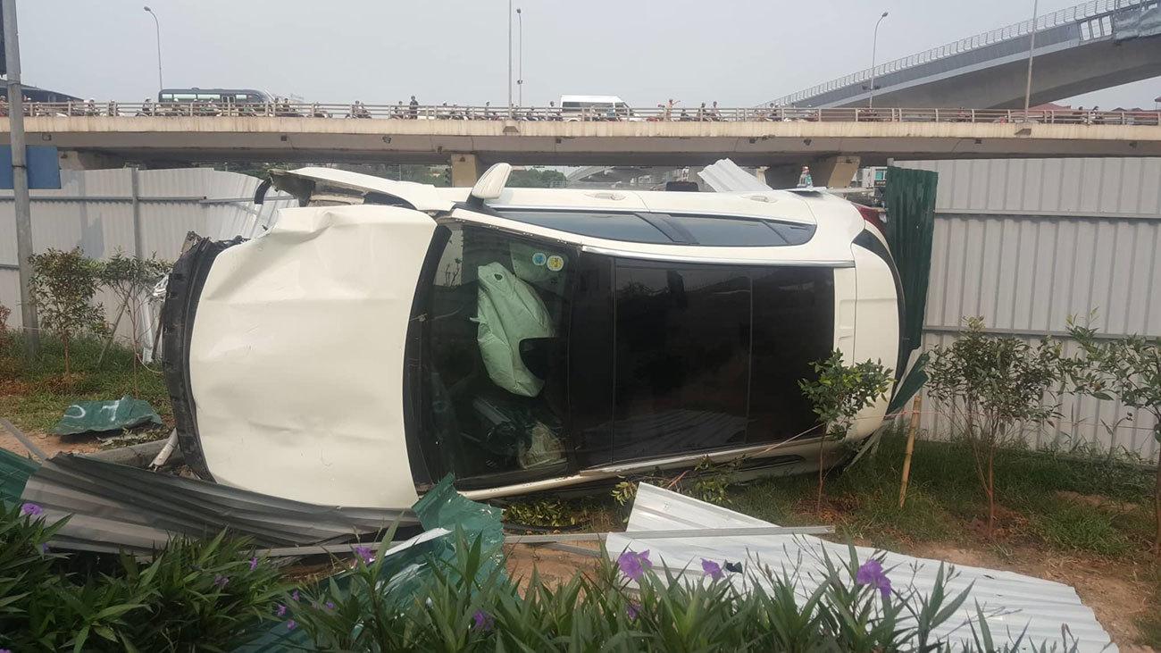 Những vụ lái xe sang Mercedes gây tai nạn kinh hoàng