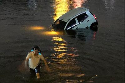 Ô tô lao xuống hồ Linh Đàm lúc nửa đêm, dưới chân tòa HH
