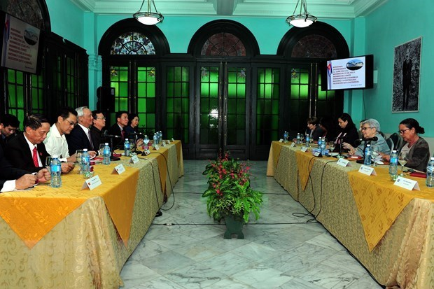 Vietnam, Cuba share experience in policymaking