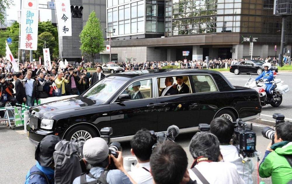 Đẳng cấp chiếc xe hơi của Tân Nhật hoàng Naruhito