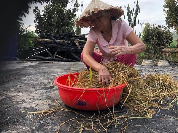 Cháy nhà, người phụ nữ nghèo neo đơn khóc thảm
