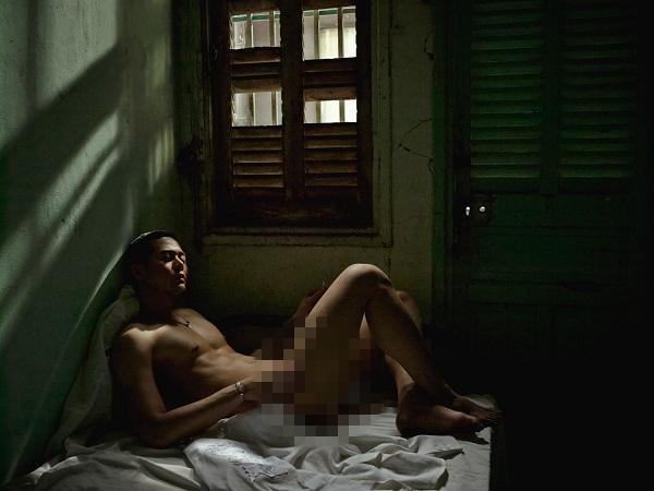 Dương Mạc Anh Quân lên tiếng về ảnh nude 100% gây xôn xao