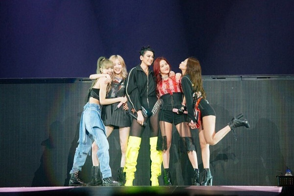 BTS,BLACKPINK,Lisa,Drake,Dua Lipa,Madonna,Halsey,Park Bom,Sao Hàn