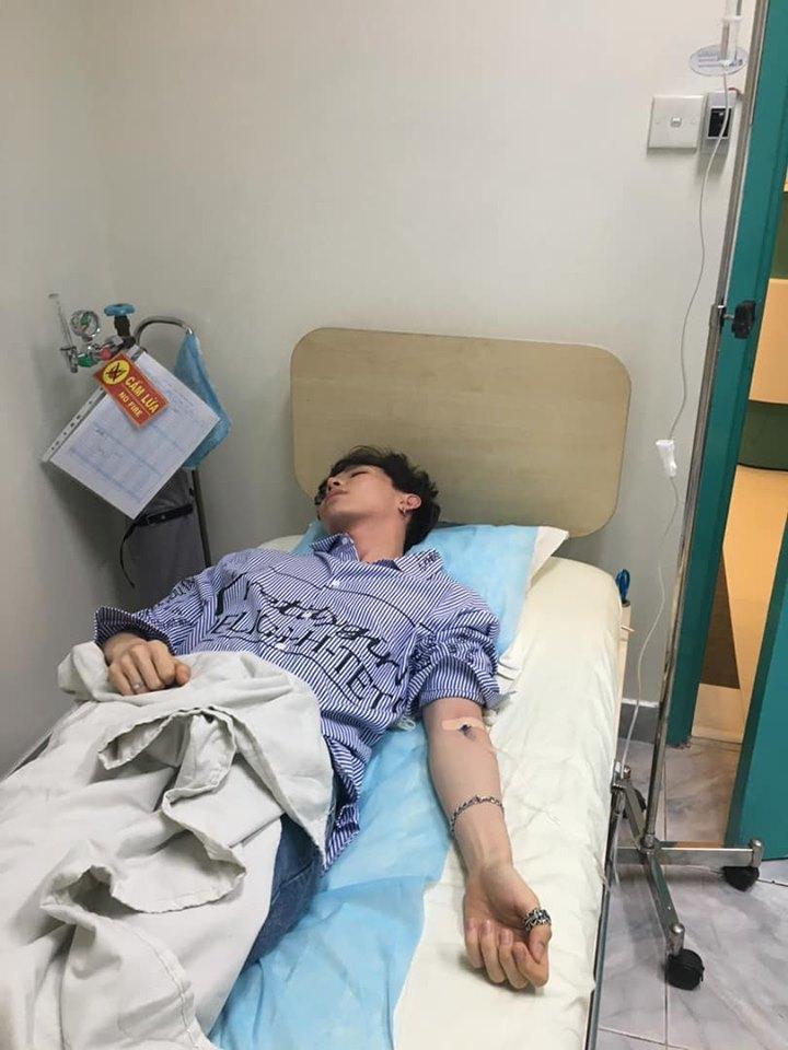 Erik hủy mọi chương trình, nhập viện vì sốt cao