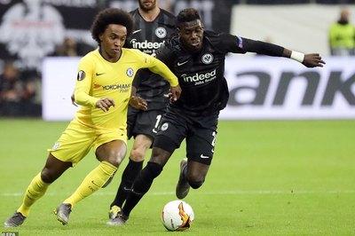 Chelsea giành lợi thế trước Frankfurt