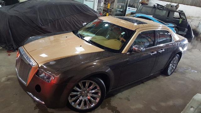 Biến xe cũ 8 năm tuổi thành siêu xe Rolls-Royce Phantom đẹp long lanh